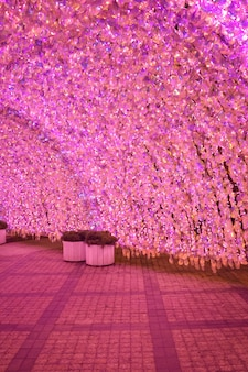 Różowy cekinowy tunel, różowe cekiny, dekoracja świąteczna