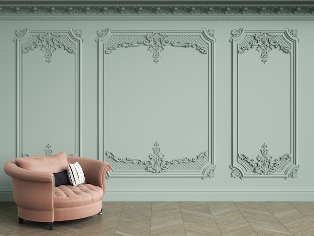 Różowy fotel kiciasty w klasycznym wnętrzu vintage z miejsca kopiowania. jasne oliwkowe ściany z listwami i ozdobnym gzymsem. parkiet podłogowy w jodełkę. renderowania 3d