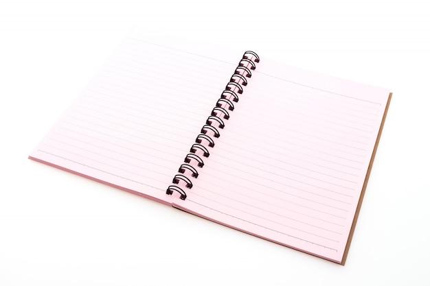 Różowy notebook otwarty