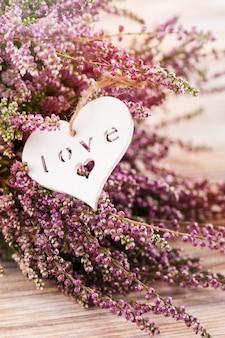 Różowy wrzos i serce