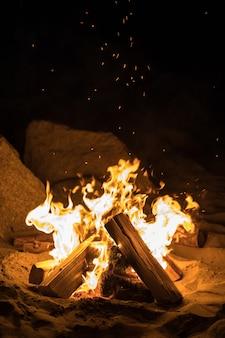 Rozpalone ognisko