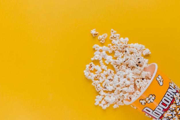 Rozproszone pudełko popcornu