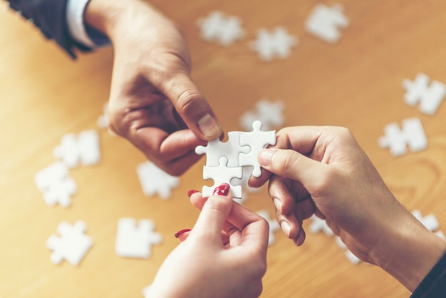 Rozwiązania biznesowe, sukces i koncepcja strategii.