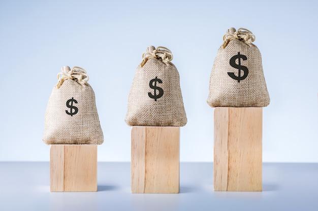 Rozwój biznesu do sukcesu. napływ inwestycji i kapitału, wzrost bogactwa.
