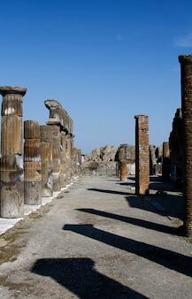 Ruiny archeologiczne w pompejach