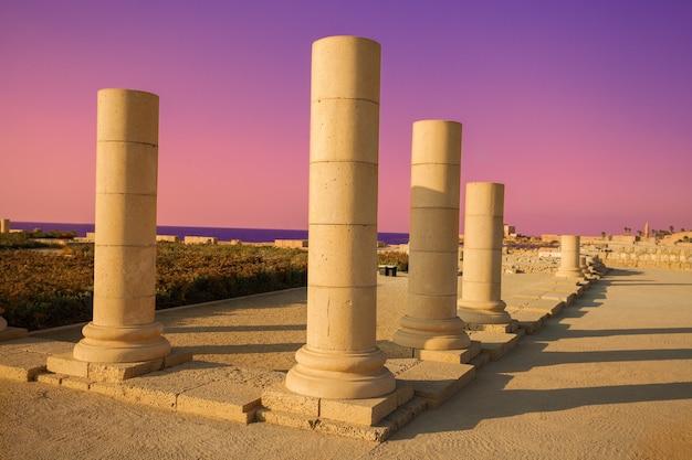 Ruiny starożytnego miasta cezarii, izrael