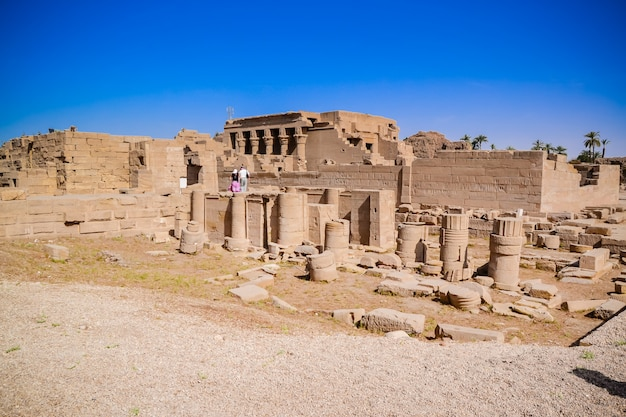Ruiny świątyni dendera. egipt