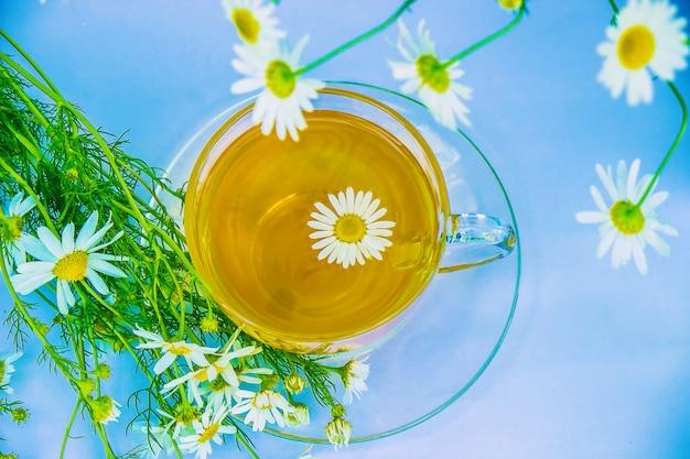 Rumiankowa herbata. selektywna ostrość.