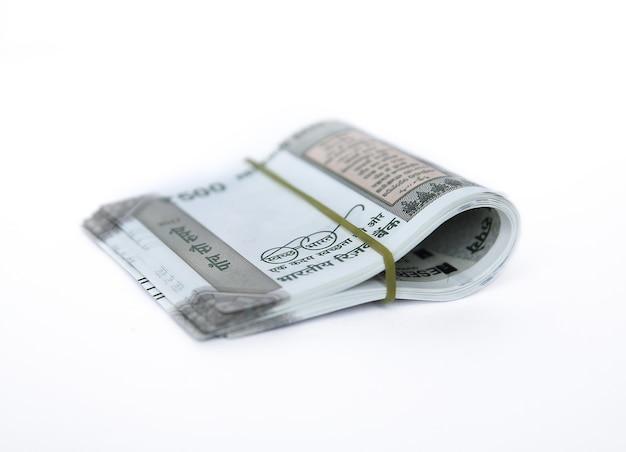 Rupie indyjskie pięćset pieniędzy w tle