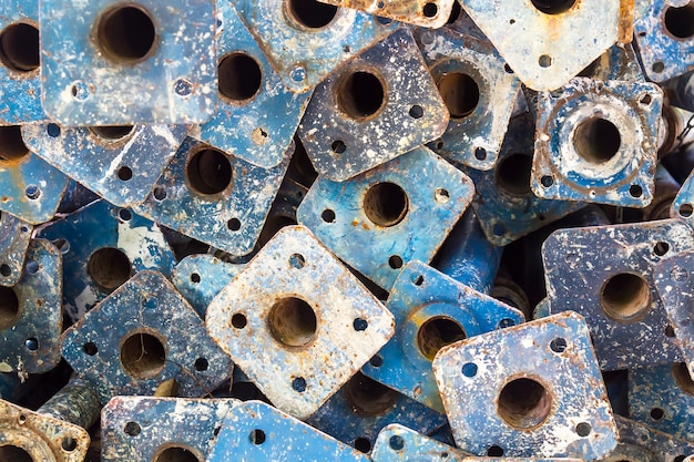 Rura ze stali nierdzewnej z rusztowań w budownictwie