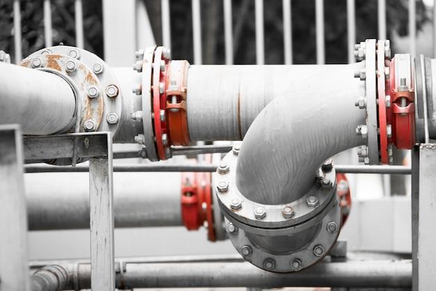 Rurociąg wodny w stacji uzdatniania wody