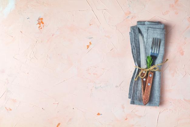 Rustykalny zestaw sztućców, nóż, widelec