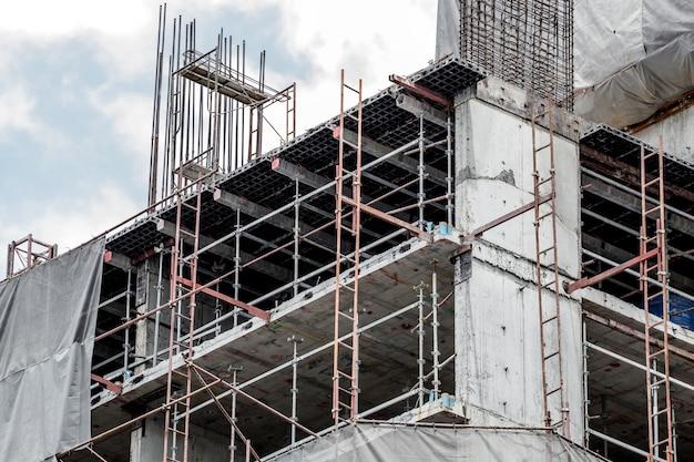 Rusztowanie budowlane budynku