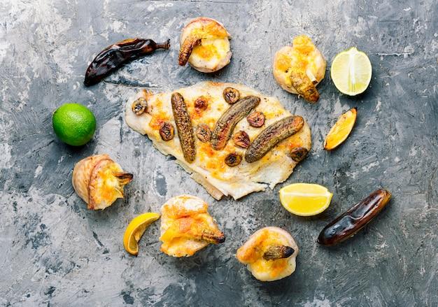 Ryba pieczona z bananem
