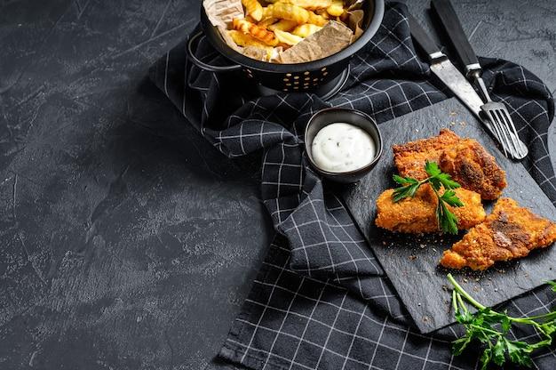 Ryba z frytkami, tradycyjne angielskie jedzenie