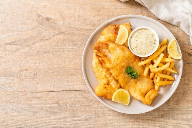 Ryba z frytkami z frytkami - niezdrowe jedzenie