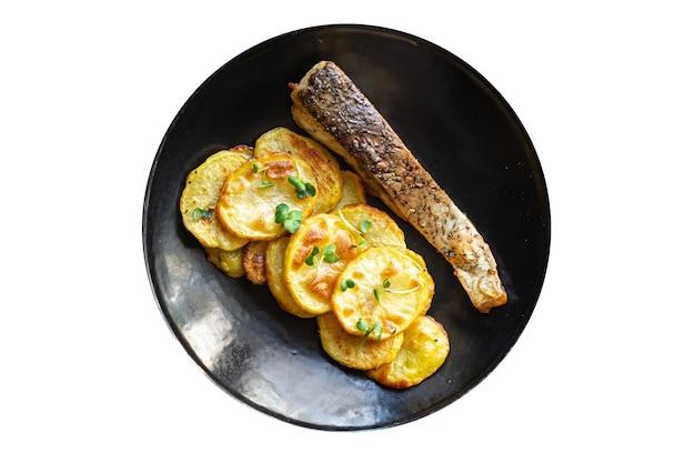 Ryba z frytkami ziemniak smażony kawałek udekorować pieczone owoce morza