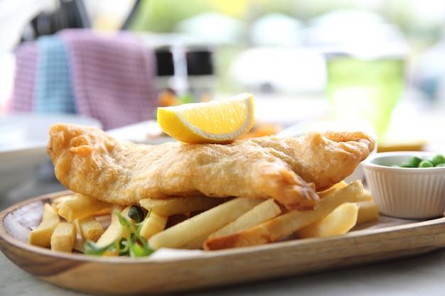 Ryba z frytkami