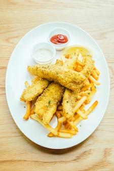 Ryby i chip z frytkami
