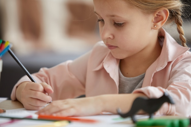 Rysowanie cute little girl
