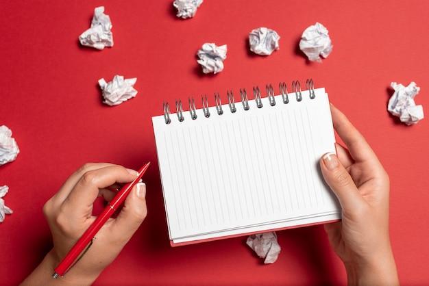 Rysowanie kreatywnych projektów robienie ważnych notatek planowanie nowych pomysłów komponowanie pomysłów na listy sporządzanie szkiców pisanie listów tworzenie pisemnych zapisów lista dokumentów