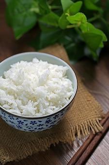 Ryż w misce