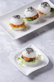 Ryżowe hamburgery sushi