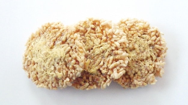 Ryżowy krakers odizolowywający, azjatycki jedzenie ryżowy ciasto