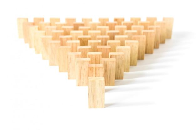 Rząd drewniane domino