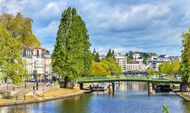 Rzeka erdre w nantes we francji