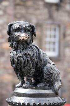Rzeźba greyfriarsa bobby'ego, edynburg, szkocja