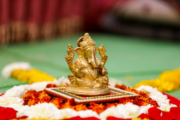 Rzeźba pana ganesha, festiwal indyjski