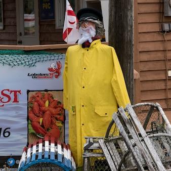 Rzeźby i kraba garnki w połowów rzucić, st peter's, wyspa cape breton, nowa szkocja, kanada