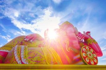Słoń boga statua indianin