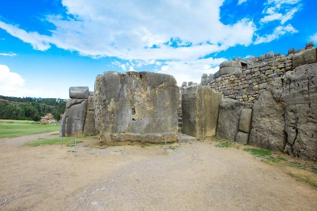 Sacsayhuaman: stanowisko archeologiczne inków w cusco, peru
