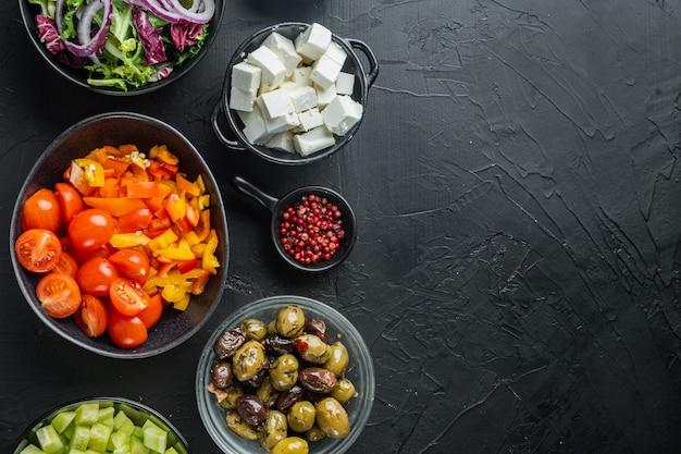 Sałatka grecka z pomidorem, papryką, oliwkami i serem feta