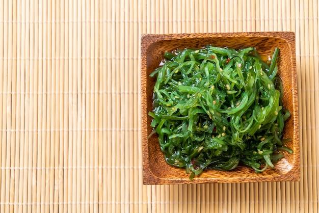 Sałatka z wodorostów - po japońsku