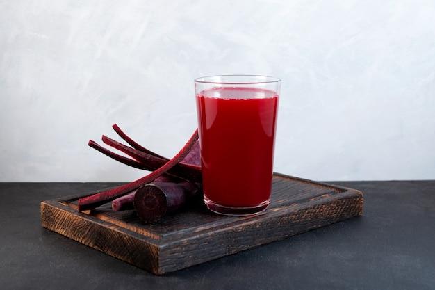 Salgam lub sfermentowany sok z buraków popularny napój turecki tradycyjny napój