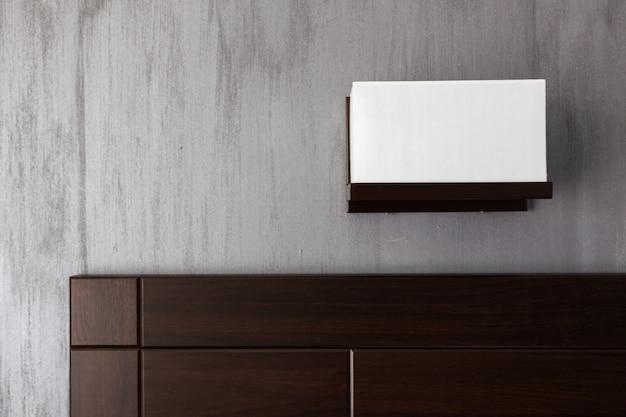 Salon szczegóły tv na ścianie