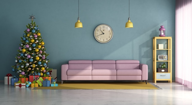 Salon w stylu vintage z kolorową choinką