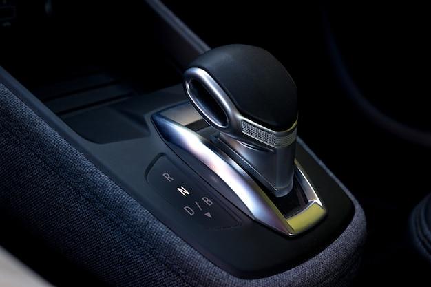 Samochód elektryczny automatyczna dźwignia zmiany biegów