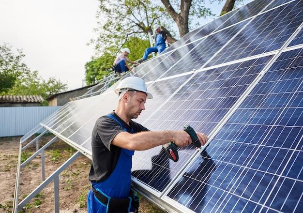 Samodzielna instalacja systemu paneli słonecznych, odnawialna zielona energia