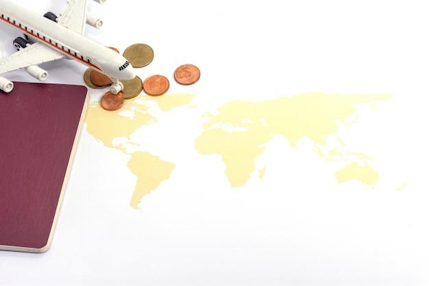 Samolot i mapa świata na białym, podróży