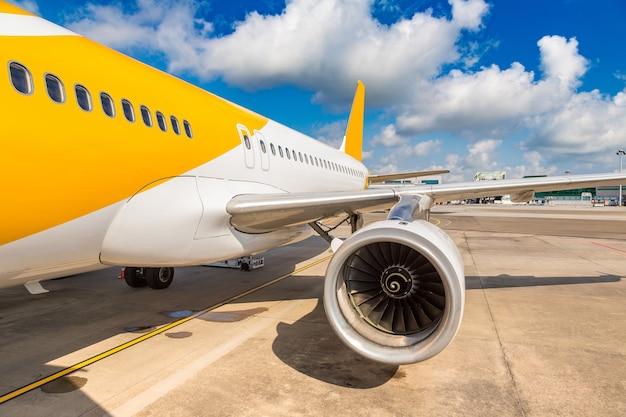 Samolot w singapurze lotnisko changi w singapurze