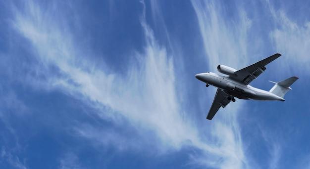 Samolot wzbił się w niebo