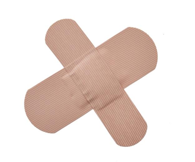 Samoprzylepny plaster bandażowy lub plaster pierwszej pomocy na białym tle