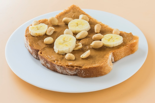 Sandwich masło orzechowe z bananem
