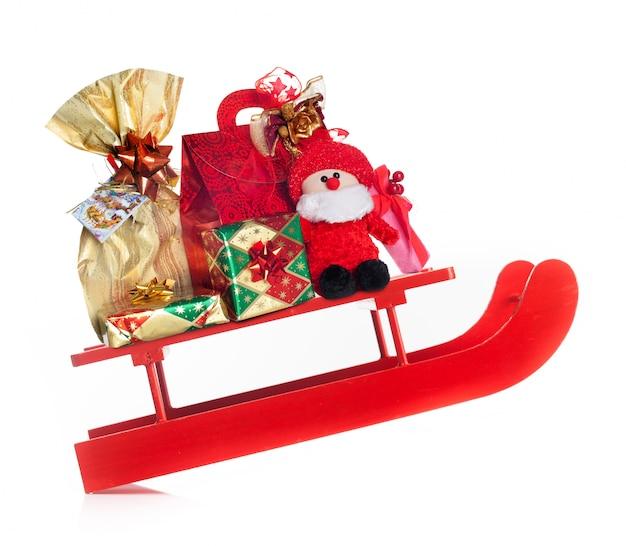 Saneczkarstwo z pysznymi prezentami świątecznymi
