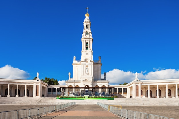 Sanktuarium fatimskie, znane również jako bazylika matki bożej fatimskiej, portugalia