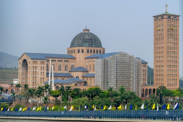 Sanktuarium narodowe w aparecidzie, patronce brazylii